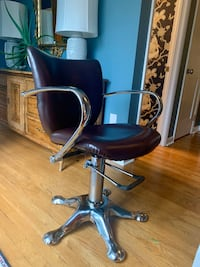 Vintage Minerva Styling Chair