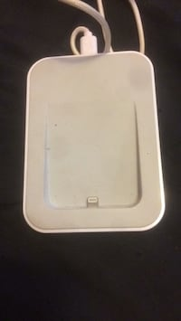 Iphone charging dock for all iPhone Glendale, 91204