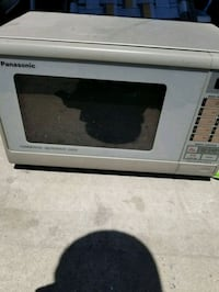 white and black microwave oven Bradford West Gwillimbury, L3Z 3A5
