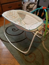 Ingenuity bedside rock & soothe sleeper bassinet  Baltimore, 21206