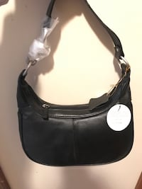 Black leather bag 227 mi