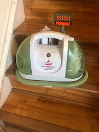 Good condition carpet cleaner  Burke, 22015