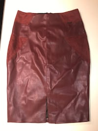 Brand new burgundy skirt Montréal, H3C 2G6