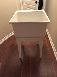 Laundry Tub with stand Newmarket, L3X 1P3