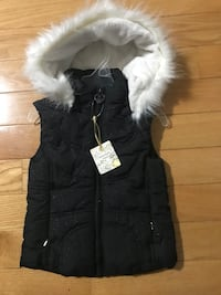 Girls Size4 Vest with removable hood Brand new  null, L2H 1S7