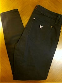 Guess dark blue wash stretchy skinny jeans Whitby, L1N 3L8
