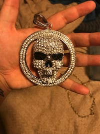 Iced out skull necklace Fountain, 80817