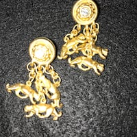 *** $ 5.00 *** gorgeous matte gold finish panther ~ jaguar ~ cat drop earrings / articulated w/ crystal stud •• ORNATE design !