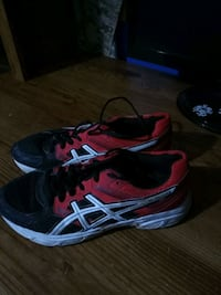 5 1/2 Running shoes