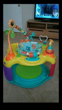 Baby activity center bouncer