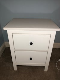 white wooden 2-drawer nightstand Alexandria, 22314