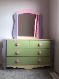 Pink Dresser with 6 drawers and mirror Ottawa, K1W
