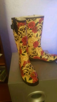 Brand New  Rubber Boots Sz6