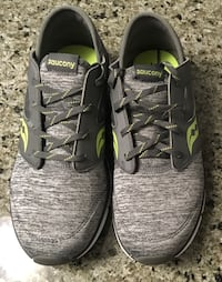 Brand new Saucony girl shoes sz 5 for 10-11yr old girl or sz 7 women's  Edmonton, T5W 0P7