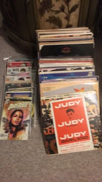 50 record albums and comic books Harahan, 70123