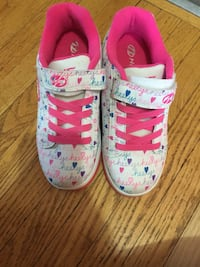 Heelys girls size 4 youth