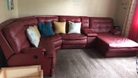 Red sectional couch  468 mi