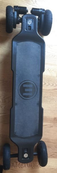 Evolve Carbon Gt 2-in-1 Street and All Terrain Electric Skateboard Vienna