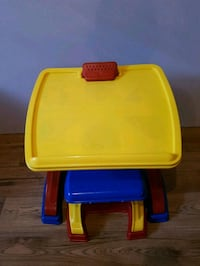 toddler activity desk and easel Ottawa, K1C 1G1