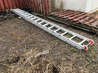32 feet extension ladder/ feather light Toronto, M9P 3N9