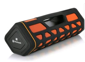 BLACKWEB  SOUND BOOM   RUGGED WIRELESS  SPLASHPROOF  SPEAKER