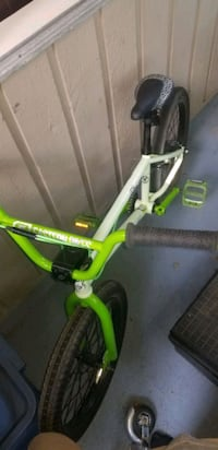 great condition bmx light green bike Surrey, V3R 1T2
