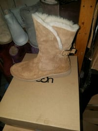 pair of brown suede boots Pajaro, 95076