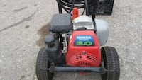 Honda. Gas pressure washer has very little use lon London, N5V 1Y8