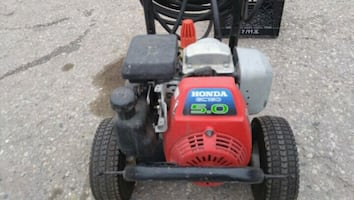 Honda. Gas pressure washer has very little use lon