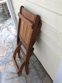 Fold-out wooden chair