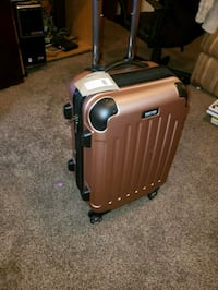 Kenneth Cole hard shell luggage  Centreville, 20120