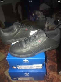 Yeezy powerphase calabasis size 9 and 10 New York, 10467