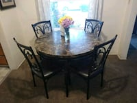 Dining table Fresno, 93703