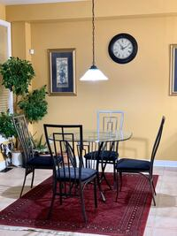 Breakfast table + 4 chairs Mississauga, L5M 8B9