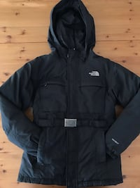 The North Face Hyvent Junior Winter Ski Coat Jacket With metal Buckle for a fitted look!!! Girls Size L 10-12 39 km