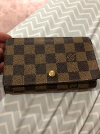 Authentic Lv small wallet Vancouver, V5M 4B1
