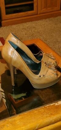 Women,s Pumps Simply Vera sz 7.5 Des Moines, 50313