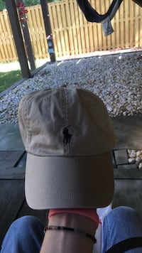 Gray and black fitted cap Sterling, 20165