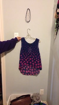 purple and pink scoop-neck tank top St. John's, A1E 4K7