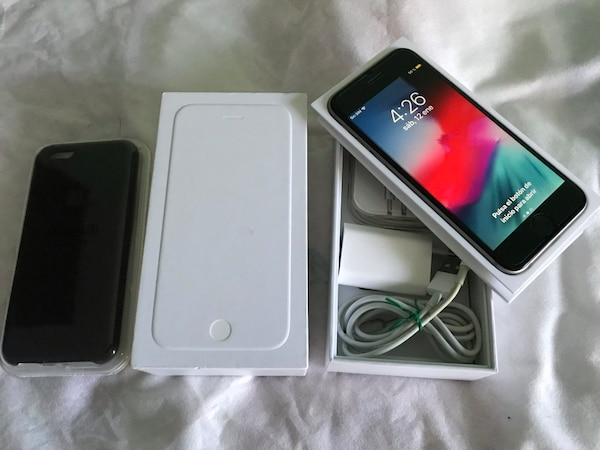 iPhone 6 64 GB negro impecable estado con caja más extras