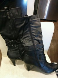 Women's leather boots size 10 Hamilton, L8J 2V5