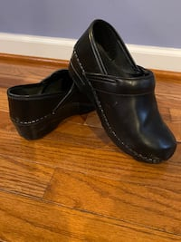 Clog(Top brand and quality, Dansko. Excellent condition. Size 37) Ellicott City, 21043