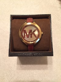 round silver Michael Kors analog watch with red leather strap Lawton, 73505