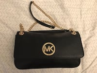 New Michael Kors Black leather bag Langley, V1M 4B6