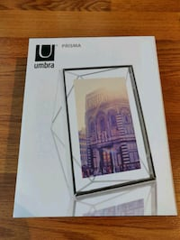 Umbra Prisma photo frame Toronto, M5V 3R5