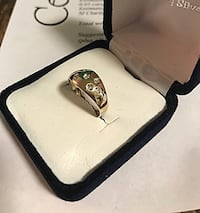 Gold and diamond ring size 6 Toronto, M6B 1A7