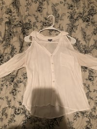 White button-up off the shoulder top Robertsdale, 36567