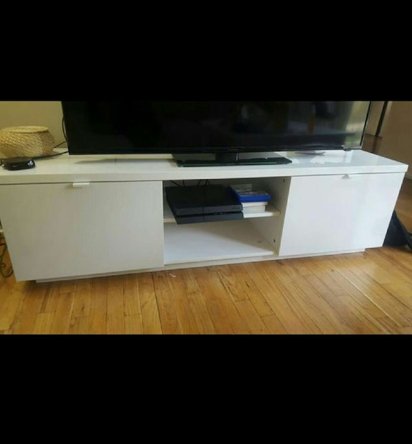 Awesome Ikea Byas Tv Unit High Gloss White Gmtry Best Dining Table And Chair Ideas Images Gmtryco