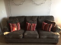 MUST GO TODAY!! Comfiest Couch Oviedo, 32766