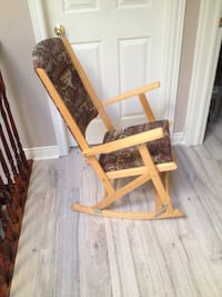 Brown wooden rocking chair with white pad Bradford, L3Z 1R9